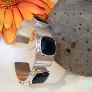 Modernist Silver Cuff Bracelet Black faceted inlay